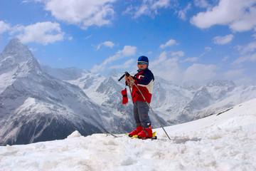 baby mountain-skier