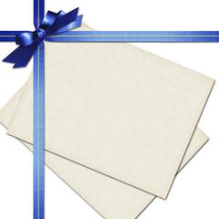 青いリボンとメッセージカード