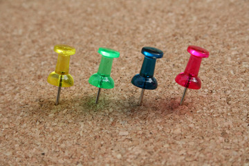 Colored pins2
