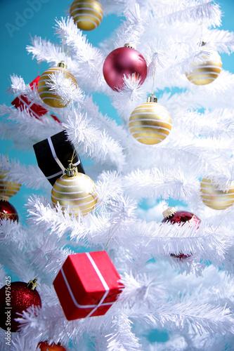 wei er weihnachtsbaum von drubig photo lizenzfreies foto 10475625 auf. Black Bedroom Furniture Sets. Home Design Ideas