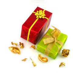 Luxury wrapped presents in green and red isolated