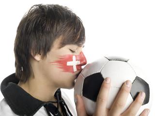 Mann mit schweizer Flagge auf Gesicht gemalt, Fußballfan
