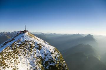 Österreich, Alpen, Menschen auf Berg