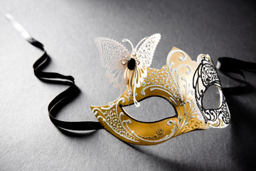 Venetian Mask (Gold on black)