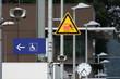 Bahnsteig-Schilder