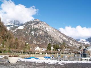alpes....lac de montagne en automne