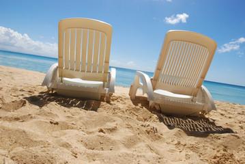 Vacances au soleil - deux chaises longues