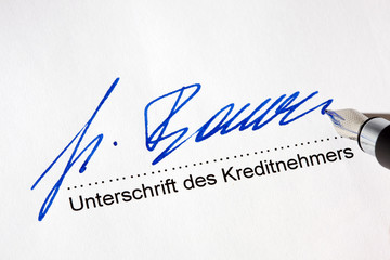 Unterschrift für Kredit auf  deutschem Vertrag