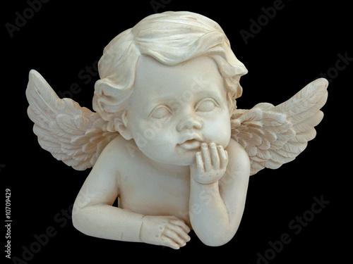 petit ange sur fond noir