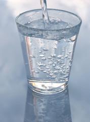 bicchiere che trabocca