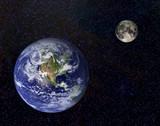 Erde und Mond-