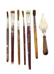 Varios pinceles usados