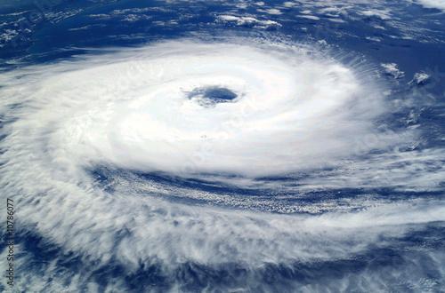 ciclone catarina - 10786077