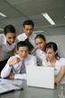 Equipe commerciale en réunion de travail