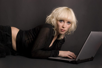 blonde & laptop