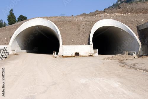 highway tunnels under construction