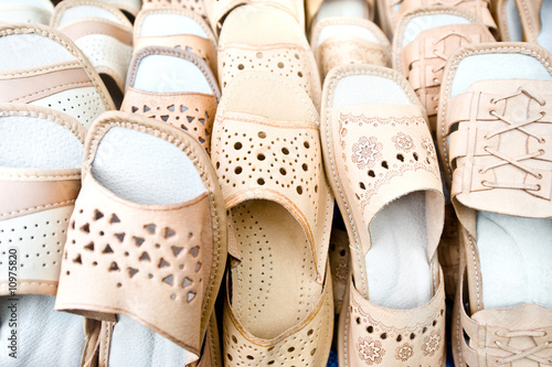 Leather slippers - 10975820