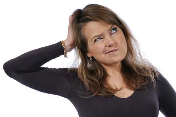 Frau nachdenken skeptisch zweifelnd