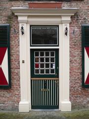 Portal an einem historischen niederländischem Gebäude