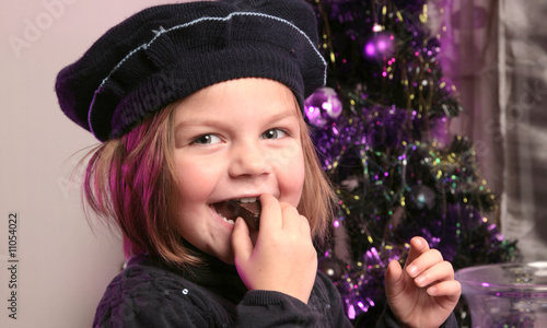 enfant chocolat fille noël - 11054022