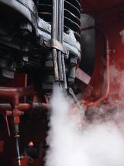 Dampflok 58311 macht Dampf