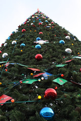The big fur-tree with toys