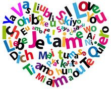 """Serce z """"Kocham Cię"""" w różnych językach"""