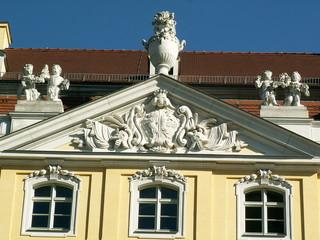 Plastischer Schmuck am Coselpalais Dresden