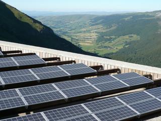 Panneaux solaires sur le Cantal