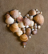 Quadro shell heart on sand