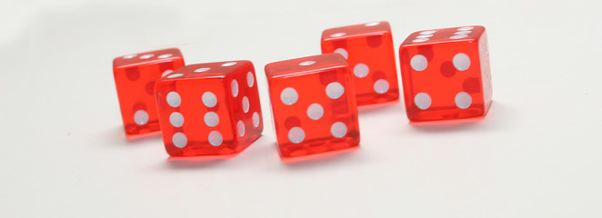 five red Dices