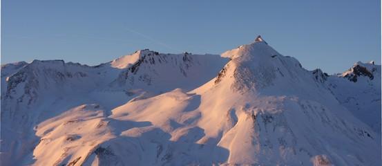 montagne en soirée