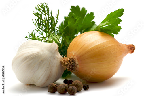 Aromatic herbs, onions, garlic and pepper