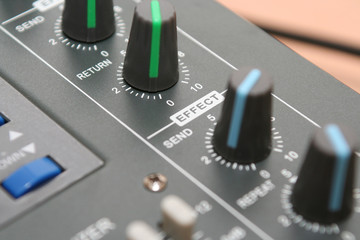 Controls of the mixing console