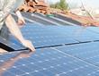 Pose des panneaux solaires