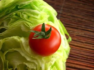tomate eisbergsalat
