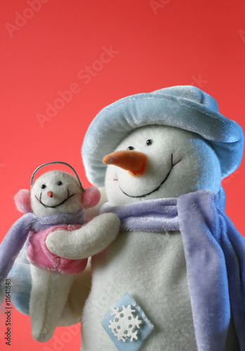 snowmen with his baby