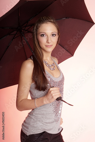 Frau mit Regenschirm | woman with umbrella
