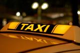 Fototapety Taxi in der Nacht
