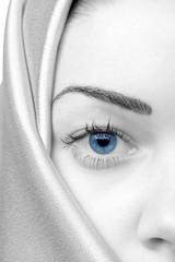 Gesicht mit blauem Auge