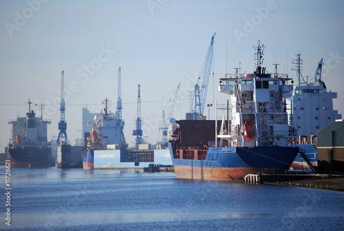 Leinwanddruck Bild Emder Binnenhafen