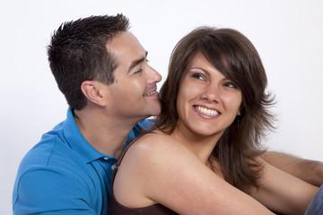 hombre y mujer enamorados