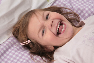 portrait enfant rire