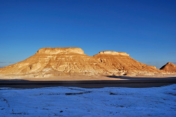 Sahara, Akabat mountains