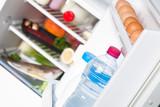 Fototapety Refrigerateur avec aliments