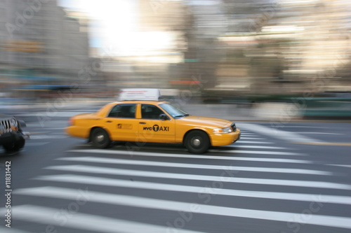 taxi-w-nowym-jorku-manhattan-fifth-avenue