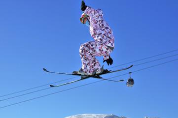 Aeroski: girl skier