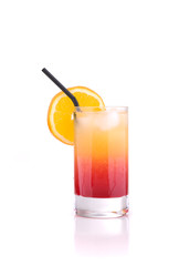 Tequila sunrise - Cocktail schwarzem Trinkhalm