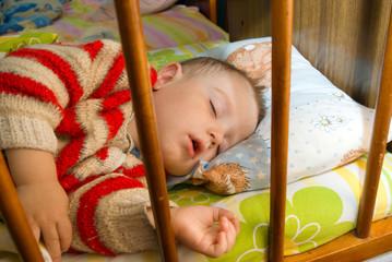 Sleeping tot
