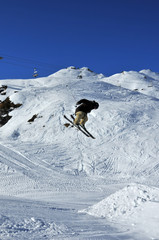 Aeroski: skier executing a full turn